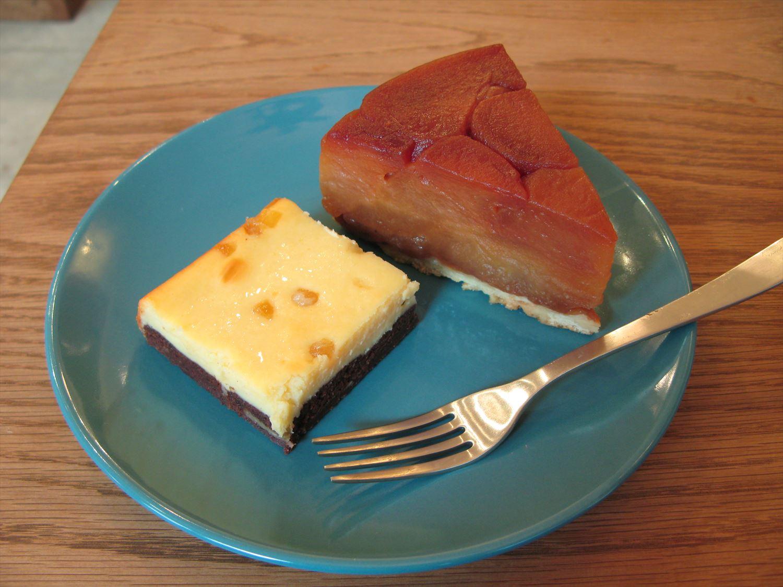 タルトタタンとブラウニーボトムチーズケーキ