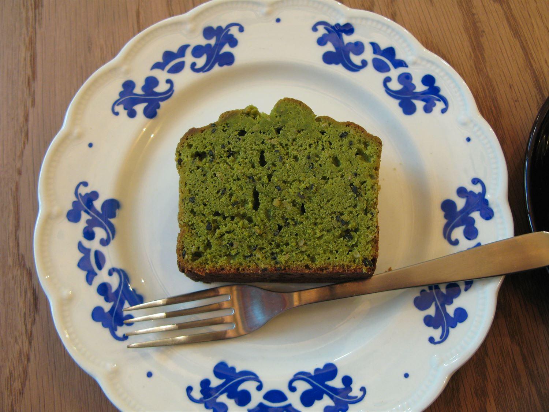 抹茶セサミケーキ