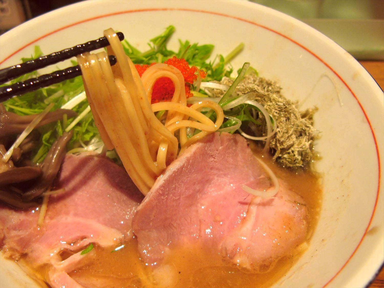 麺と心7の月替わり限定 2017年9月 飛魚(あご)白湯ラーメン ~プチプチ飛子添え~ – 阿倍野/ラーメン